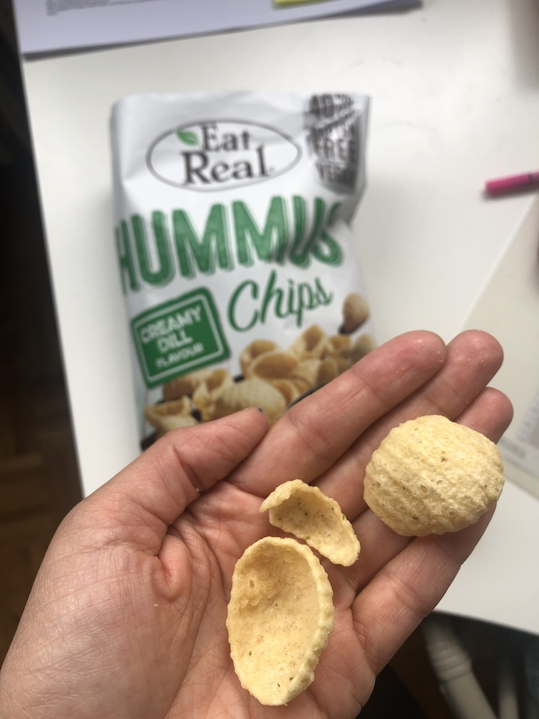 Snacks für unterwegs - Hummus Chips Dill