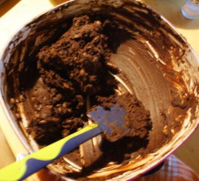 Aufgebrochene Schokoladenkekse Teig