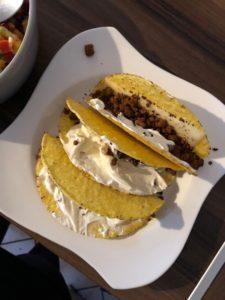 Tacos aus dem Ofen mit Sauerrahm