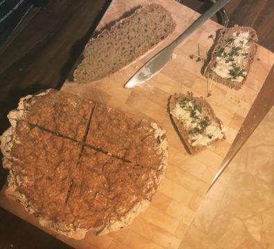 fertiges Brot aus Sauerteig