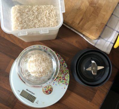 Glutenfreie Mehle selbst herstellen - Reis vor dem Mahlen