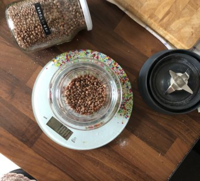 Glutenfreie Mehle selbst herstellen - Linsen vor dem Mahlen